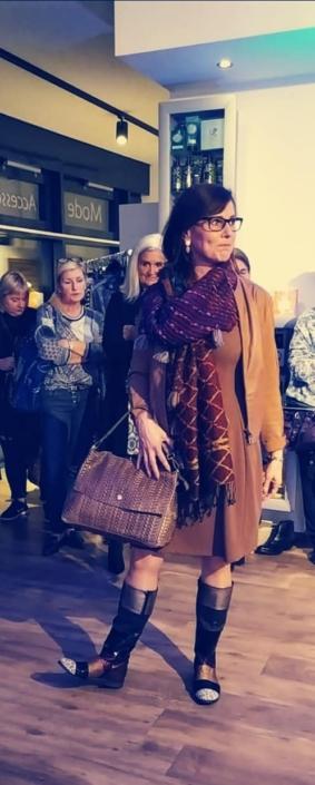 Modeschau im Tanjas Schönheitsladen